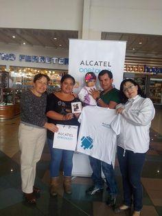 Andrea Maiguashca de Ecuador, también se divirtió participando en nuestro concurso MI SUPER PAPÁ y ganó un fabuloso ONE TOUCH SMART 916. Quédate con nosotros y tú también podrás verte en nuestro álbum de ganadores.