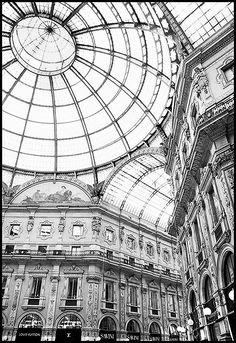 Galleria Vittorio Emanuele, Milano. Italy