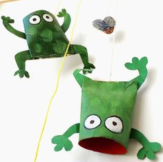 Paper Roll Croaking Frogs - great #summer #crafts