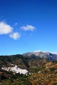 cielo sierra - Buscar con Google Sierra, Pantone, Coral, Google, Water, Outdoor, Sky, Gripe Water, Outdoors