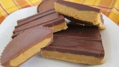 Best Peanut Butter Bars This is the BEST No Bake Peanut Butter Bar Recipe. It tastes like a peanut butter cup! With just 5 ingredients - Best Peanut Butter Bars – Incredible Recipes Sugar Free Peanut Butter, Best Peanut Butter, Reeses Peanut Butter, Natural Peanut Butter, Chocolate Paleo, Chocolate Peanuts, Chocolate Chips, Chocolate Fudge, Chocolate Tarts