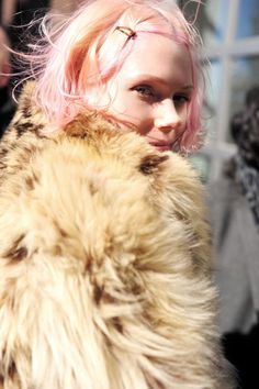 LOVE THE BLONDE FUR COAT WITH COTTON CANDY HAIR.