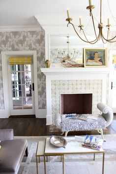 (via Golden White Decor - California Fashion and Design Inspiration) living room House Design, Room Decor, Fireplace Seating, Decor, Interior Design, Living Room Decor, Interior, White Decor, Room