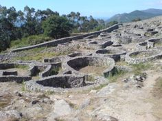 Os invitamos a pasear por el castro de  Santa Tecla.  #historia #turismo  http://www.rutasconhistoria.es/loc/castro-de-santa-tecla