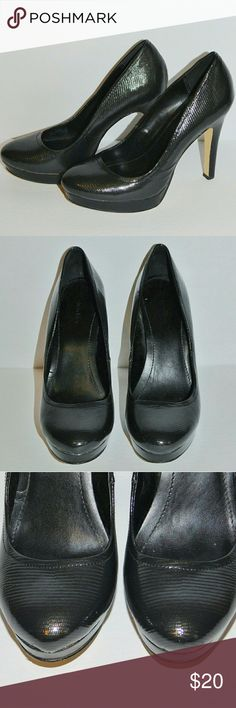 """Size 7 Black Calvin Klein Kendall Pumps 😍 This is a GORGEOUS pair of nearly-black platform """"Kendall"""" pumps from Calvin Klein! They have a bit of texture and in the right light a tiny bit of a gold metallic sheen! Little to no wear! Size 7. Calvin Klein Shoes Heels"""