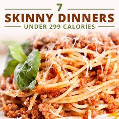 7 Skinny Dinners Under 299 Calories! #skinnydinners #lowcaloriemeals #cleaneatingrecipes