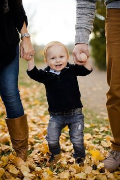 8. Baby #Love! - 27 Fall Family #Photo Ideas You've Just Got to See ... → Inspiration #Member