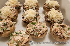 ciuperci-umplute-3 Potato Salad, Potatoes, Ethnic Recipes, Food, Potato, Essen, Meals, Yemek, Eten