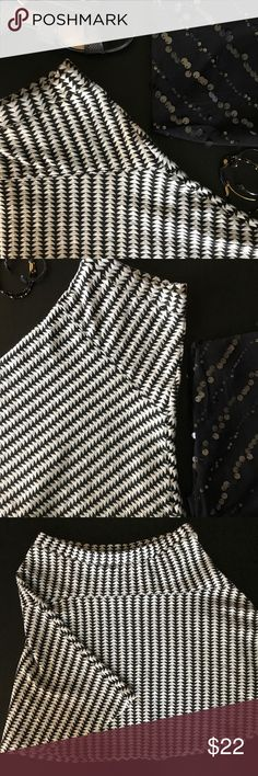 Bar III Fit and Flare Skirt Flattering Fit and Flare Skirt in a fun Black & White Geometric Pattern. Excellent condition. Bar III Skirts