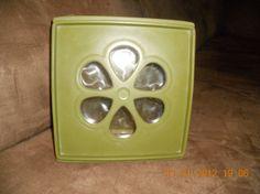 Vintage RUBBERMAID J3204 Avocado Green 4 qt by AltmodischVintage, $15.99
