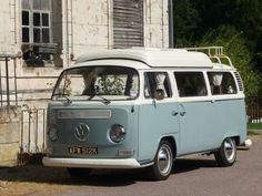 Volkswagen-T2-Early-Bay-Lowlight-Camper-van-1972-Dormobile