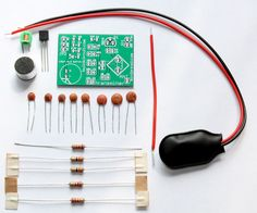 Picture of Easy and low cost FM transmitter DIY kit Diy Electronics, Electronics Projects, Electronic Tattoo, Bath And Beyond Coupon, Healthy Snacks For Diabetics, Diy Kits, Easy, Fm Transmitter, Audio