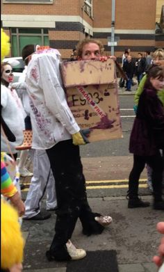 Probably the best zombie costume I've ever seen! (hat tip @Lsly Chng)