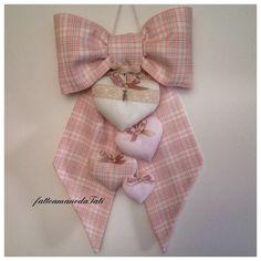 Fiocco nascita in cotone scozzese rosa con 4 cuori imbottiti, by fattoamanodaTati, su misshobby.com