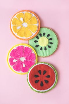 Fruit Slice Felt Coaster 100均フェルトで作る!フルーツコースターの作り方(無料素材)  Rainbow DIY #coaster #fruit #drinks #felt #handmade #diy #コースター #ハンドメイド #フルーツ Felt Crafts Diy, Felt Diy, Fabric Crafts, Sewing Crafts, Sewing Projects, Craft Projects, Crafts For Kids, Arts And Crafts, Felt Coasters