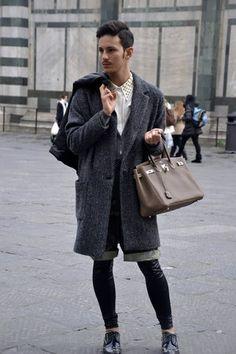 StyleWithD: SHOULD MEN CARRY WOMEN'S BAG?