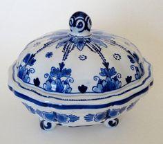 De Koninklijke Porceleyne Fles Royal Delft Delfts Blauw Candy Dish Bowl Covered Bowl Dutch Blue White Lidded Dish Vintage Hand Painted Old