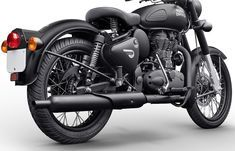 Official Photo Gallery of Royal Enfield Classic 500 Stealth Black Enfield Bike, Enfield Motorcycle, Motorcycle Style, Classic 350 Royal Enfield, Enfield Classic, Royal Enfield Wallpapers, Royal Enfield Modified, Bike Photo, Sport Bikes