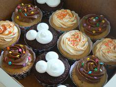 mickey mouse cupcakes | cupcakes de Mickey Mouse Club House; esta vez con orejitas de Mickey ...