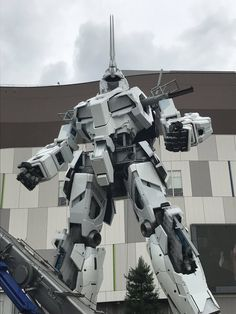 The Life-Sized Unicorn Gundam Statue: Work In Progress (Update 18th August 2017 PART TWO) No.7 NEW Images, credits http://www.gunjap.net/site/?p=324537