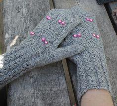 owlmittens, mittens, lapaset, pöllölapaset Fingerless Gloves, Arm Warmers, Knitting, Diy, Christmas, Fashion, Wrist Warmers, Cast On Knitting, Fingerless Mitts