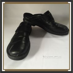 "Selling this ""Size 9M Clarks Black Clogs Leather Shoes"" in my Poshmark closet! My username is: moomettes. #shopmycloset #poshmark #fashion #shopping #style #forsale #Clarks #Shoes"