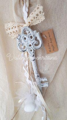 Πρωτότυπες μπομπονιέρες γάμου μεταλλικό κλειδί της αγάπης  by valentina-christina handmade products Καλέστε 2105157506 #mpomponieres #mpomponieresgamou#βάφτιση#μπομπονιερα #μπομπονιέρες #μπομπονιερες#valentinachristina #vaptism#athens#greece#handmade#vaptisi #christeningfavors#greek#greekdesigners#handmadeingreece#greekproducts #μπομπονιερες_γαμου#weddingfavors #baptismfavors #μπομπονιέρες_γάμου
