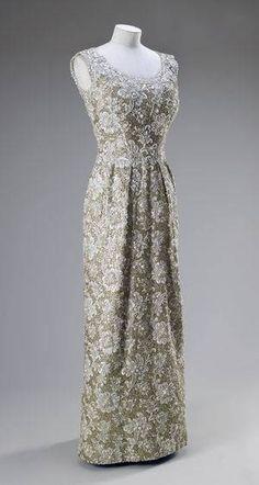 Dress worn by Queen Elizabeth II    Norman Hartnell, 1962