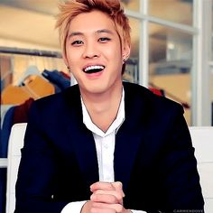 Seungho AWWWW :D his smile is one of my favorite things in this world!!!! ^///^ always makes me happy