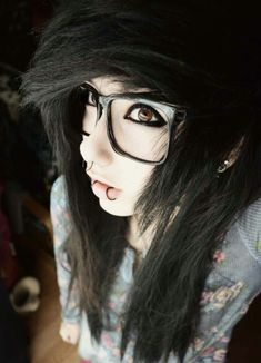 c111c78eeea58 I really dislike the hipster glasses but like the piercings and eyeliner.  (Septum and Snakebites)