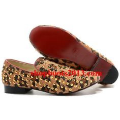 Christian Louboutin Rollerboy Or Spikes Hommes Flat Chaussures Leopard Christian Louboutin Sandals, Christian Louboutin Outlet, Louboutin Pumps, Cl Shoes, Ballet Shoes, Red Bottom Shoes, Suede Platform Pumps, Red Bottoms, Zapatos