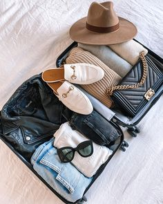 My 10 Favorite Airport Outfits to Inspire Your 2020 Travel Style (And Travel Essentials for Jetsetters) Look Fashion, Autumn Fashion, Fashion Outfits, Jeans Fashion, Cardigan Fashion, Skirt Fashion, Sneakers Fashion, Spring Fashion, Fashion Essentials