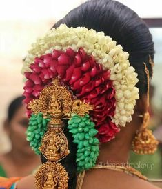 South Indian Hairstyle, Indian Bridal Hairstyles, Bride Hairstyles, Hair Decorations, Indian Wedding Decorations, Indian Weddings, Pattu Saree Blouse Designs, Blouse Designs Silk, Bridal Looks