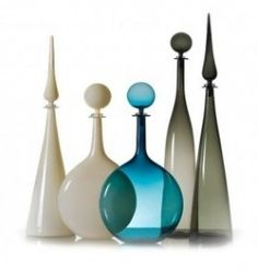Joe Cariati uses a Venetian off-hand method of glass blowing to create these simple and contemporary works of transparent art Bottles And Jars, Glass Bottles, Perfume Bottles, Cristal Art, Art Of Glass, Glass Ceramic, Modern Glass, Glass Design, Hand Blown Glass