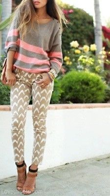 The pants are simple but I love the pattern, it's neutral enough to go nicely with a patterned top or sweater but strong enough to go by itself in a plain outfit.