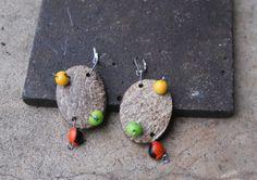 boucles d'oreilles en noix de coco et perles açai largeur : 3.4 cm hauteur : 7.7 cm  J'envoie les colis en minimax ou lettre prioritaire pour limiter les frais de port, mais - 2385785
