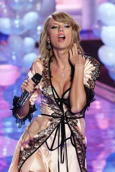 #LingerieDay: veja as melhores fotos de cantoras com lingerie - Revista Cifras