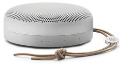 Der beste kleine Bluetooth-Lautsprecher - AllesBeste.de Wir haben 20 aktuelle Bluetooth-Boxen probegehört. Begeistert hat uns der Beoplay A1 von B&O. Er löst den Bose SoundLink Mini II als besten kleinen Bluetooth-Lautsprecher ab. Klanglich kommt in dieser Größenklasse nur der Teufel Bamster Pro mit. Aber unter dem Strich hat der Beoplay klar die Nase vorn. http://www.allesbeste.de/test/der-beste-kleine-bluetooth-lautsprecher/ #AllesBeste #Test #BOBeoplayA1 #BluetoothB