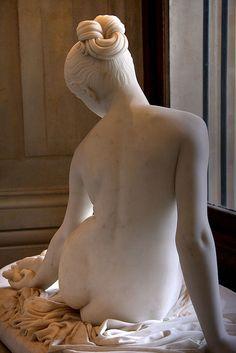 La Nymphe au scorpion Oeuvre de Lorenzo Bartolini (1845) Musée du Louvre - Paris.