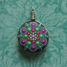 Mandala Stone Pendant Sterling Silver Wire par ElspethMcLean