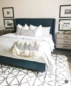 45 Best Modern Bedroom Design Ideas - Home Decorating Inspiration Urban Outfiters Bedroom, Blue Master Bedroom, Dream Bedroom, Master Bedroom Layout, Bedding Master Bedroom, Bedroom With Sofa, Master Bedroom Color Ideas, Spare Bedroom Ideas, Large Bedroom Layout