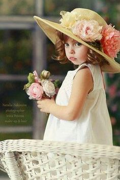 .flower dress and hat little girl