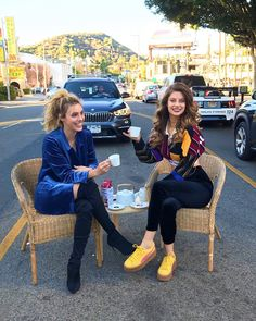 Image may contain: 2 people, people sitting, shoes and outdoor Bff Goals, Best Friend Goals, Besties, Bestfriends, Hannah Stocking, Pit Girls, Videos Instagram, Popular People, Coffee Girl