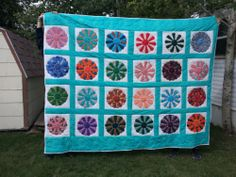 349.95 Dresden Plate pattern Quilt Handmade Machine Stitched King Sized Multi colored
