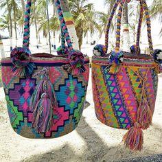 Marvelous Crochet A Shell Stitch Purse Bag Ideas. Wonderful Crochet A Shell Stitch Purse Bag Ideas. Crochet Handbags, Crochet Purses, Crochet Bags, Mochila Crochet, Tapestry Crochet Patterns, Crochet Shell Stitch, Tapestry Bag, Boho Bags, Purse Patterns
