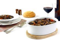 Boeuf bourguignon en crock pot o slow cooker Slow Cooker Recipes, Crockpot Recipes, Dog Food Recipes, Recetas Crock Pot, Pork, Meals, Crockpotting, Control, Instant Pot