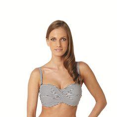 Haut de maillot de bain forme bandeau Anya Stripe de PANACHE. 80% Polyamide, 20% élasthanne. Les rayures en noir et blanc donnent un effet chic et marin. Les bretelles sont ajustables et amovibles. Excellent maintien grâce aux coques et aux  armatures.