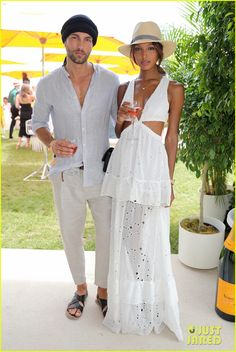 Jasmine Tookes Photos Photos - Models Tobias Sorensen and Jasmine Tookes attend the Ninth Annual Veuve Clicquot Polo Classic at Liberty State Park on June 2016 in Jersey City, New Jersey. - The Ninth Annual Veuve Clicquot Polo Classic - VIP Street Chic, Street Style, Veuve Cliquot, Polo Outfit, Polo Classic, Jasmine Tookes, Male Fashion Trends, Stylish Couple, Mode Chic