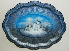 An exhibition of Zhostovo trays has opened at the Tsaritsino Museum and Preserve in southeastern Moscow. About 400 one-of-a-kind trays painted in the famous Zhostovo style are on display.  The craft originated in the village of Zhostovo near Moscow. A local master, Osip Vishnyakov, organized decorative tray production there in the first half of the 19th century.