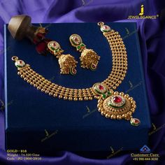 Steal her heart with beautiful half set Get In Touch With us on - Beste Antique Jewelry Gold Ring Designs, Gold Bangles Design, Gold Jewellery Design, Indian Wedding Jewelry, Bridal Jewelry, Indian Bridal, Gold Jewelry Simple, Antique Jewelry, Antique Gold